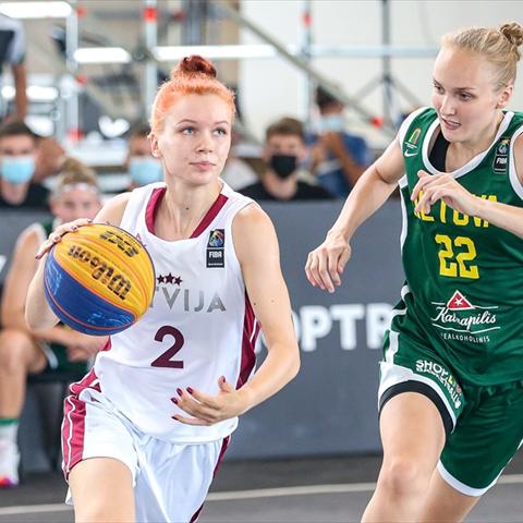 Laura Okuņeva